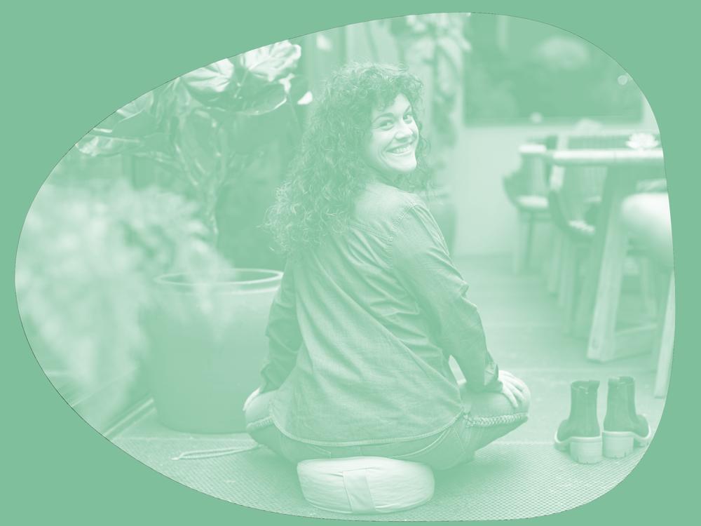 Alba Valle psicóloga sanitaria colegiada, experta en Mindfulness y meditación.